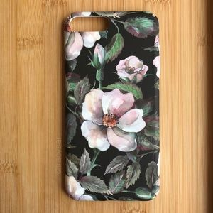 Accessories - NEW Iphone 7/8/7+/8+ Flowers Floral Case